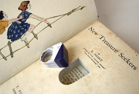 Оказывается книги не только читают, из них еще делают ювелирные изделия