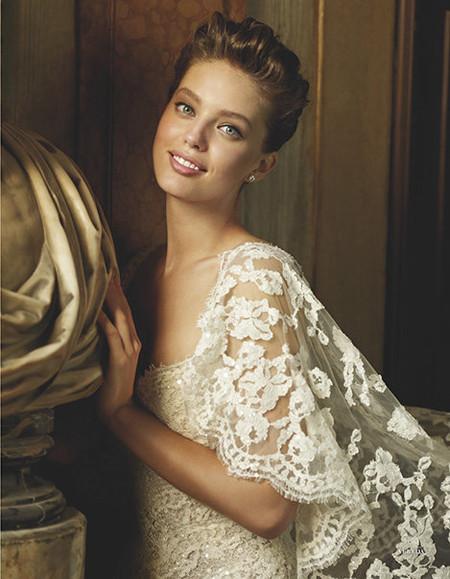 Лицом каталога свадебных платьев Pronovias 2013 вновь стала Эмили ДиДонато