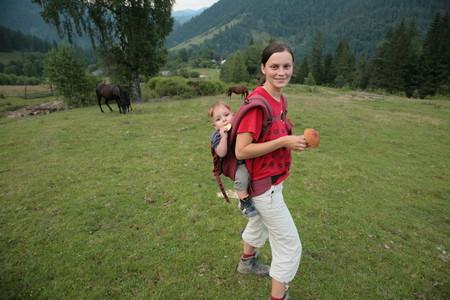 В чем лучше носить своего малыша... — фото 4