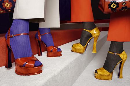 Обувь дополнена ремешком