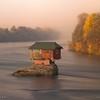 Домик на реке - идеальное место для уединения