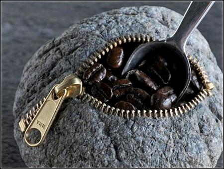 Каменная сумочка для кофеманов