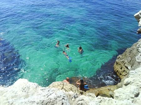 Море — глубина около 15 м
