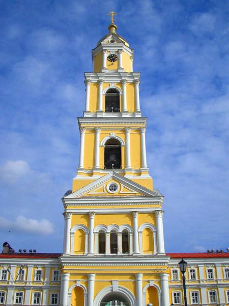 Колокольня Серафимо-Дивеевского монастыря.