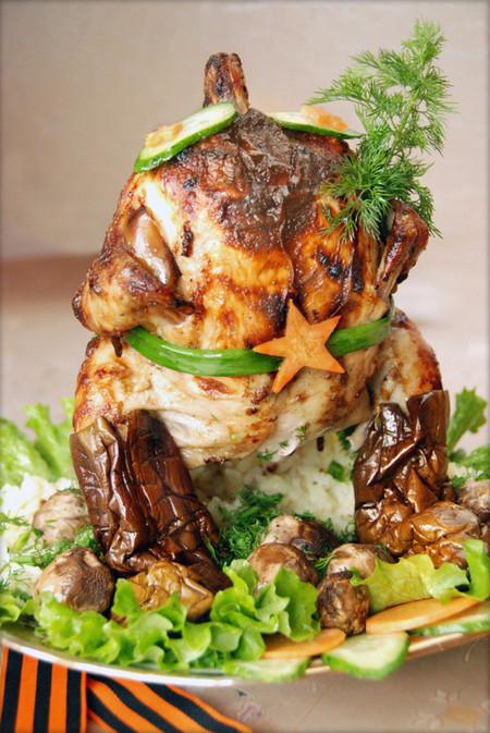 «Курица наездница» готова поздравить всех мужчин с 23 февраля! — фото 11