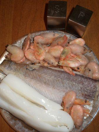 Рыбный супчик с кальмаром и креветками — фото 1