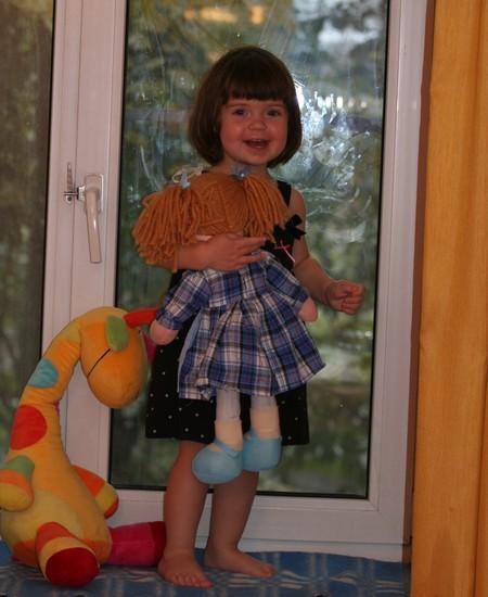 Подросла еще немного, и еще… и стала вот такой озорной девчонкой:)