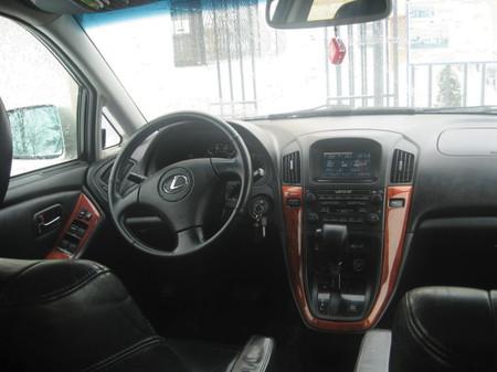 Lexus RX 300 - культовый кроссовер — фото 4
