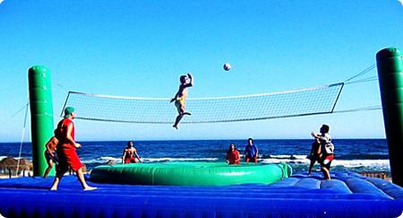 Боссабол, удивительный микс капоэйра, пляжного волейбола, футбола, акробатики и воздушной гимнастики. — фото 2