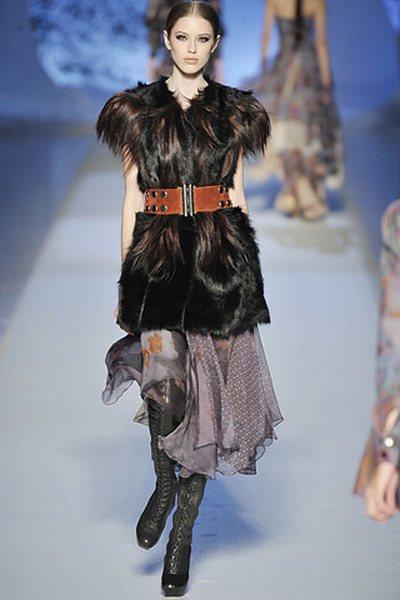 Главный атрибут модного сезона - меховой жилет — фото 2