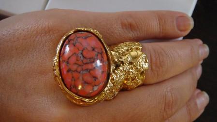 Необычное кольцо от YSL Arty Oval Ring — фото 5