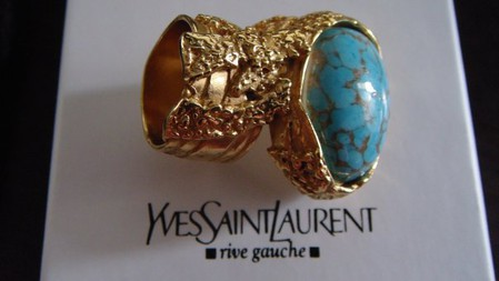 Необычное кольцо от YSL Arty Oval Ring — фото 9