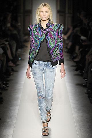 Современная мода на женские джинсы — фото 4