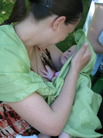 Слинг - помощник для мамы и комфорт для малыша — фото 1