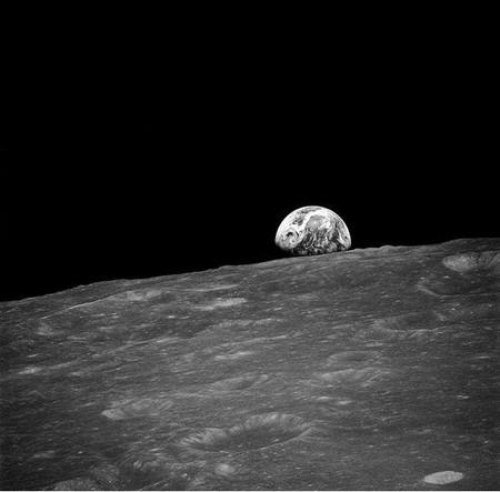 «Восход Земли», который впервые сфотографировали с лунной орбиты во время космического полёта Apollo 8