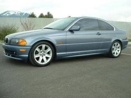 BMW 323i — фото 1