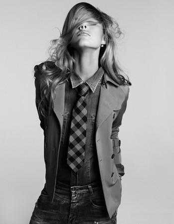 Галстук - модный аксессуар женского гардероба — фото 1