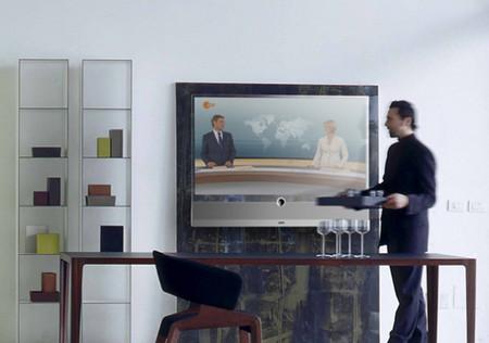 Прозрачный телевизор Loewe Invisio — фото 4