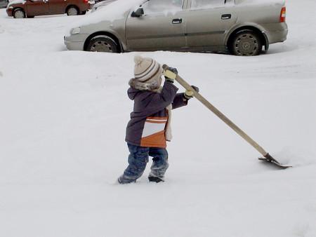 Помогу расчистить снег