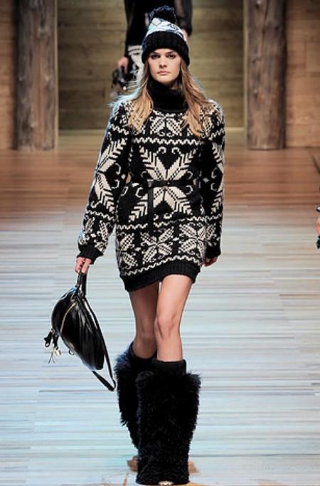Теплые свитеры и платья зимы 2010-2011 — фото 2