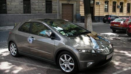 По просьбе друга, хонду взяли как первую машину на свадьбу.