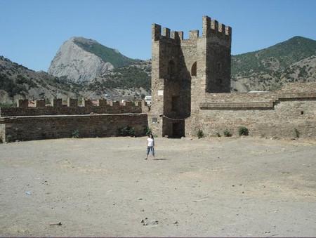 Средневековая Италия в Судаке. Генуэзская крепость. — фото 10
