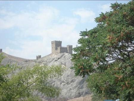 Средневековая Италия в Судаке. Генуэзская крепость. — фото 1