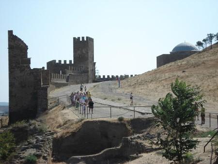 Средневековая Италия в Судаке. Генуэзская крепость. — фото 2
