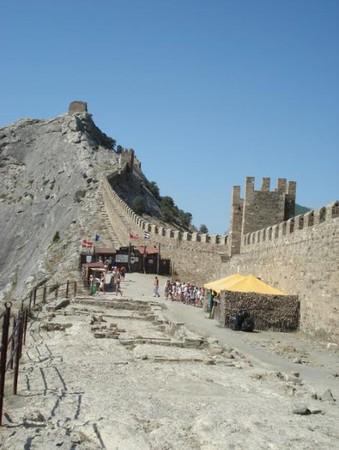 Средневековая Италия в Судаке. Генуэзская крепость. — фото 8