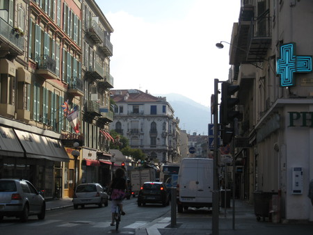Улица и наш отель