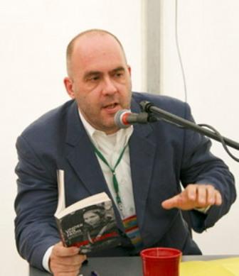 Номинант на Букеровскую премию, один из лучших британских авторов