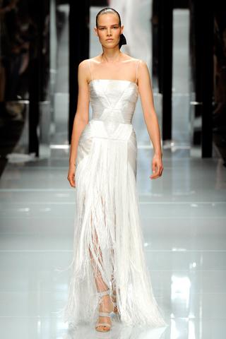 Жемчужно-белое платье от Versace — фото 1