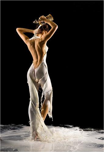 Одежда из молока на фотомоделях Андрея Разумовского — фото 7