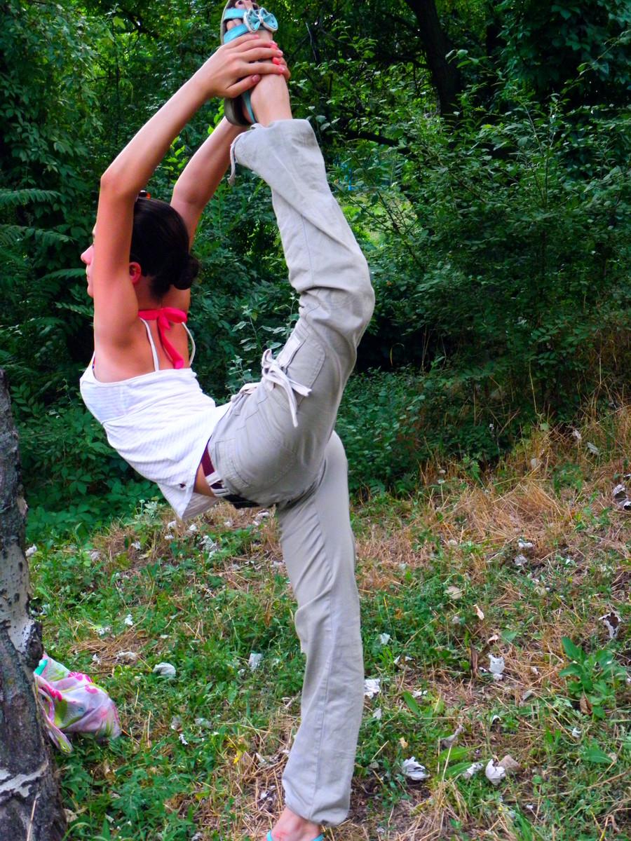 Разминка голой балерины 21 фотография