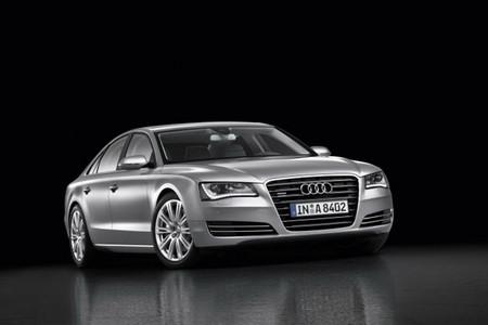 В 2010 году Audi стала лидером по продажам автомобилей премиум-класса — фото 1