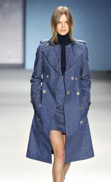 Модные плащи 2011 года — фото 2