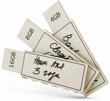 Новая разработка Артемия Лебедева – флешка из картона. — фото 1