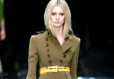 Пальто в стиле милитари от Burberry Prorsum — фото 1