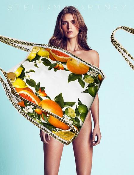 Фруктовые мотивы на летних сумках от Stella McCartney. — фото 5