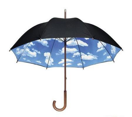 Зонт Moschino: под небом голубым...