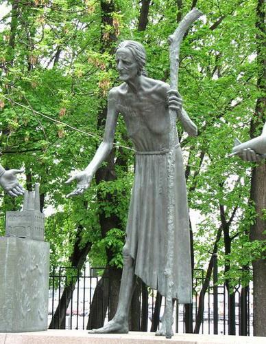 Памятник на Болотной в Москве. Чтобы уберечь детей от пороков взрослых — фото 9