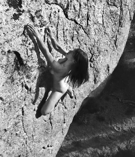 Фотографии на скалах: женщины с твердым, как камень, характером. — фото 9