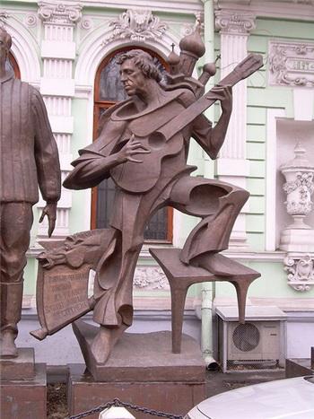 Памятники Владимиру Высоцкому. Твердость характера, широта души, масштаб личности. — фото 9