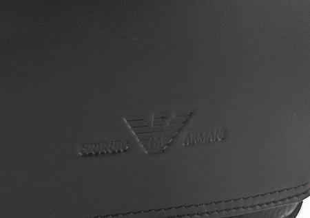 Armani: модный бренд.