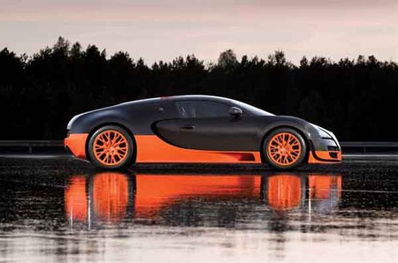 Bugatti Veyron SuperSport — очень мощный.