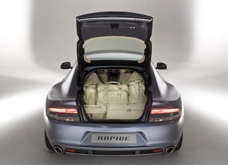 Aston Martin Rapide: много места.