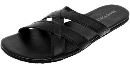 Навстречу туземке легкой походкой в сандалиях черного цвета DIESEL… — фото 1