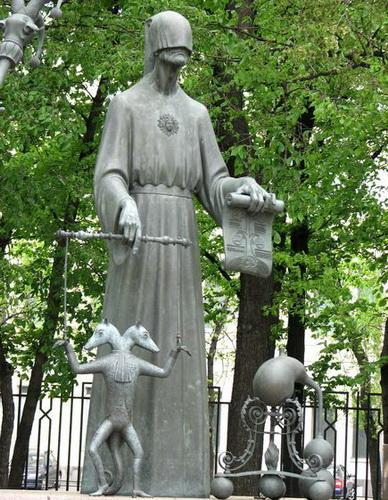 Памятник на Болотной в Москве. Чтобы уберечь детей от пороков взрослых — фото 4