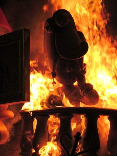 Праздник Фальяс в Валенсии – вихрь огненного веселья! — фото 7