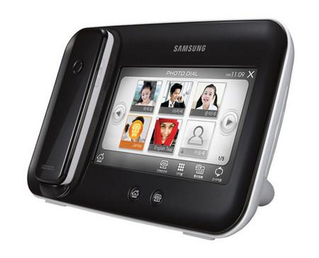 Samsung SP M 100: фоторамка для продвижения обычной телефонии — фото 2
